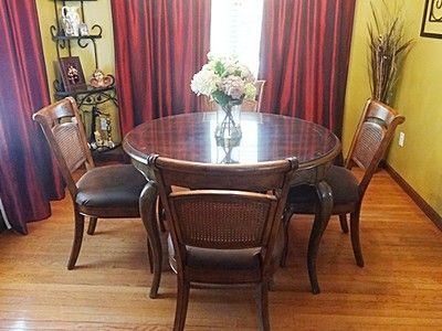 "FOR SALE!   Dinette Set Dining Room Kitchen 48"" Round Table Queen Anne Legs (4) Chairs Leaf"