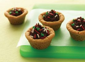 Going to make a bigger version of these cookie cups so I can put a dip of ice cream in them. aw yeah!