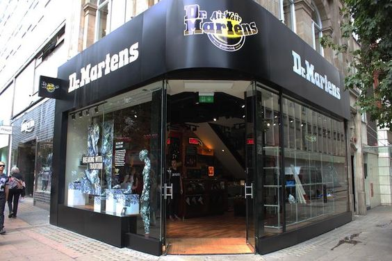 """eLocations on Twitter: """"Dr. Martens opened on London's Oxford Street 386 #DrMartens #OxfordStreet #thelocationgroup #shopopening http://t.co/EGLRPosRPa"""""""