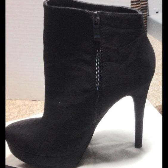 FIND THESE BEAUTIES IN @nkhob CLOSET Black suede short boots! Heels 5 1/2 inches! Platform 1 1/4! Chinese Laundry brand! Size 8 1/2 M Worn once inside for about an hour! ❌NO TRADES❌NO PAY PAL❌ ❌DONT ASK. L39 Chinese Laundry Shoes Ankle Boots & Booties