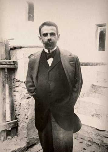 mini.press: Ιστορία-1859 Γεννιέται στην Πάτρα, ο κορυφαίος Έλληνας ποιητής, Κωστής Παλαμάς. 1910 Γεννιέται ο σπουδαίος ζωγράφος Γιάννης Τσαρούχης. 1995 Οι Εισαγγελείς στην Κρήτη κρίνουν νόμιμη (!) την παράνομη αρχαιολογική συλλογή του Κωνσταντίνου Μητσοτάκη.: