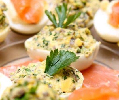 Закуски на скорую руку: фаршированные яйца