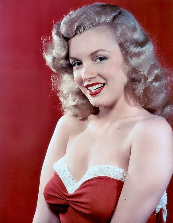 Marilyn Monroe. Photo by Laszlo Willinger, 1948