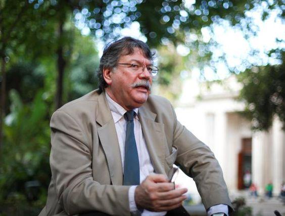 """Fernando Buen Abad: """"En América Latina hay bases militares y bases mediáticas"""""""