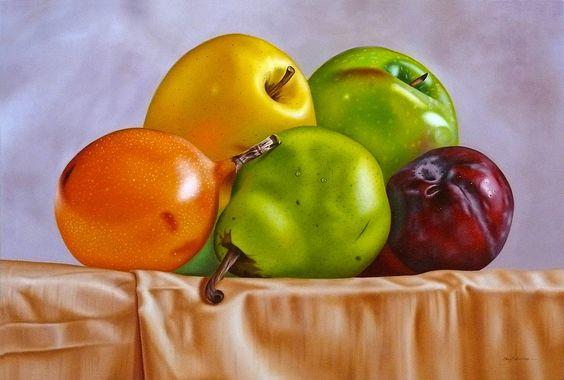 Frutas sobre mantel
