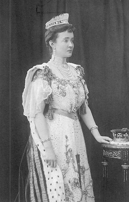 1902 Luísa Margarida da Prússia, vestida para a coroação de Edward VII   Grandes senhoras   gogm