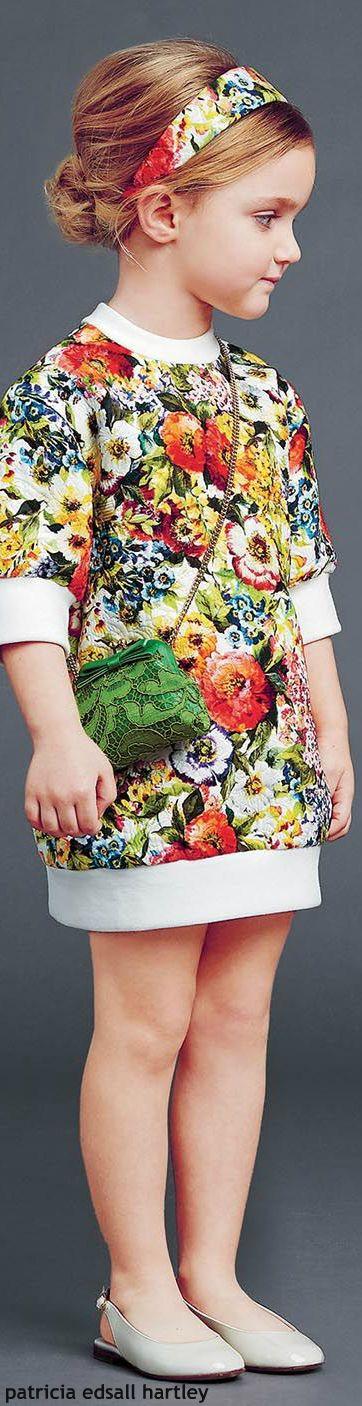 Primavera e flores são tudo de bom! Os looks são superfemininos e românticos! <3: