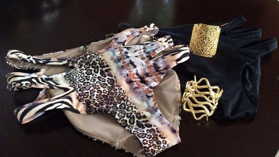Secret Spirit Paris...Gold bracelets with tigre and black slips :P