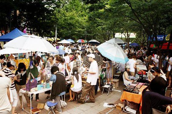 Chợ Hongdae là địa diểm yêu thích của nhiều người