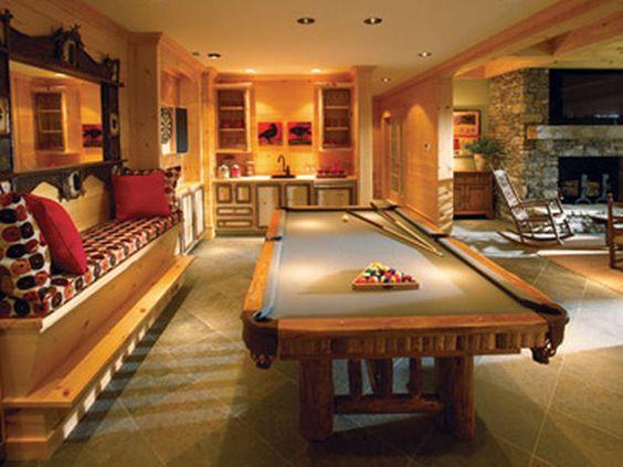Game room pool table bar pinball machine shuffleboard for Rec room pools