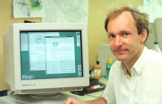 Há 25 anos ocorria o primeiro acesso público à WWW (World Wide Web), revolucionando a vida como conhecíamos e tornando o mundo mais conectado.