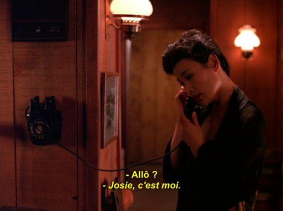 Josie pick up the phone (Twin Peaks S1 E5)