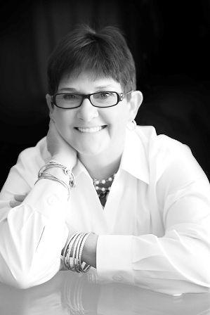 Debbie Saviano - LinkedIn Expert