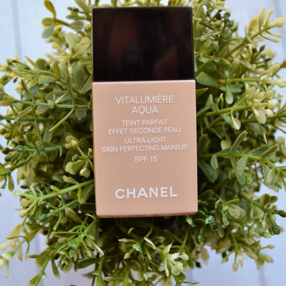 Chanel Vitalumiere Aqua. Es la mejor base del verano. Qué opinas?: