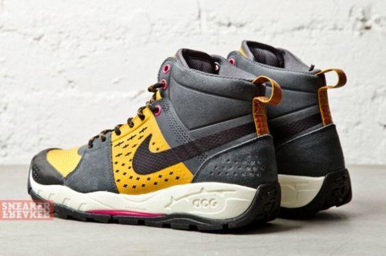 6ea04225ba99 ... Vintage Nike ACG shoes size 7.5 by PittsburghThrowbacks on Etsy Kicks  Pinterest Nike acg