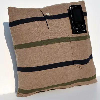 Faça arrojadas almofadas com camisas velhas                              …