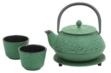 Enjoying Tea – Green Pine Needle Cast Iron Tea Set