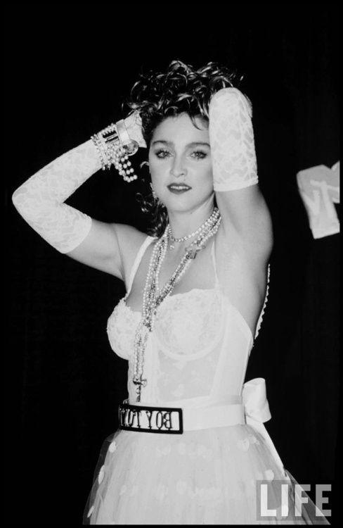 Madonna madonna The BIG 80\u0027s Pinterest Halloween costumes - madonna halloween costume ideas