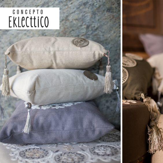 Línea de almohadones con estilo étnico, inspirada en lo desértico y lo sagrado.