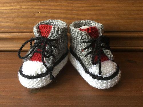 Ravelry: Little Converse pattern by blanchn