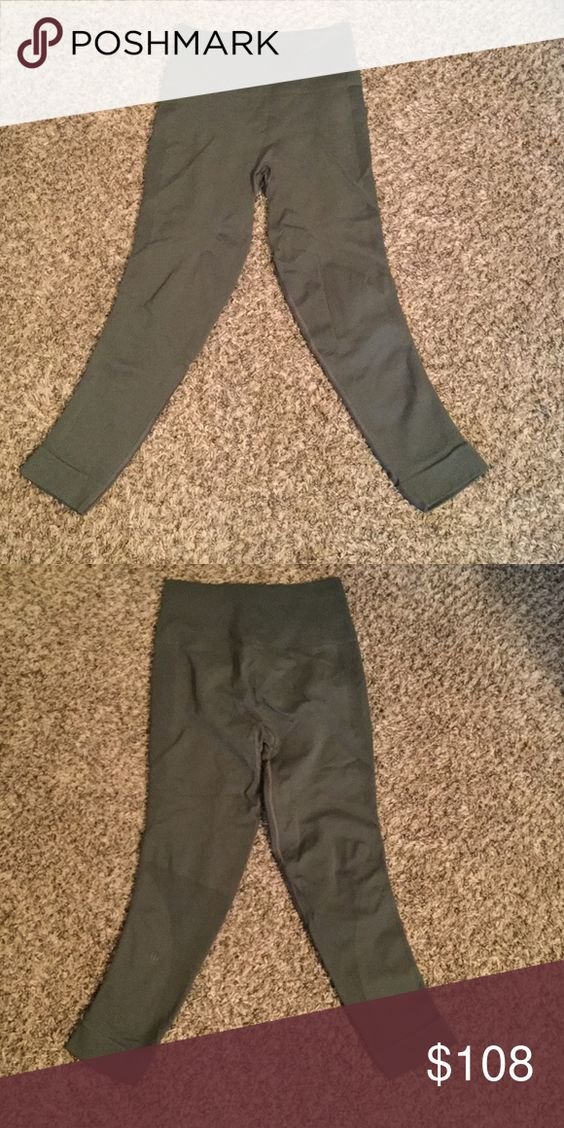 In the Zone Crop NWT 🚫Trades. Brand new- never worn! Ⓜ️NicTurner139 final offer. Will show receipt from Amazon- paid $128 for these. lululemon athletica Pants Leggings