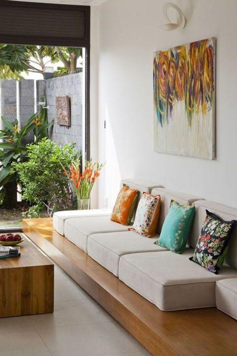 Sofa Rendah Di Ruang Keluarga Lesehan Small Living Room Design Indian Interior Design Indian Living Room