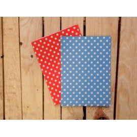 Con estos sobres azules con estampado de topos tu regalo sera fantástico.