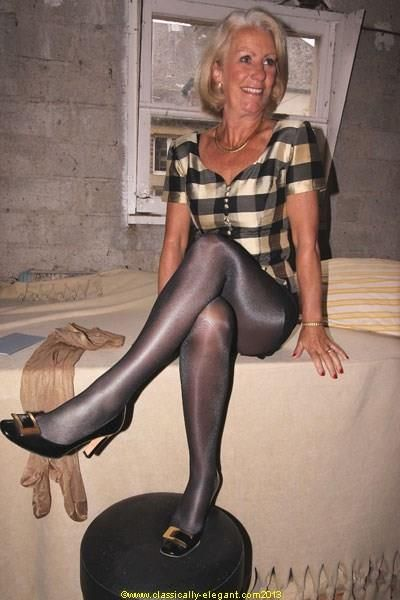 Granny and milf in stockings fuck again