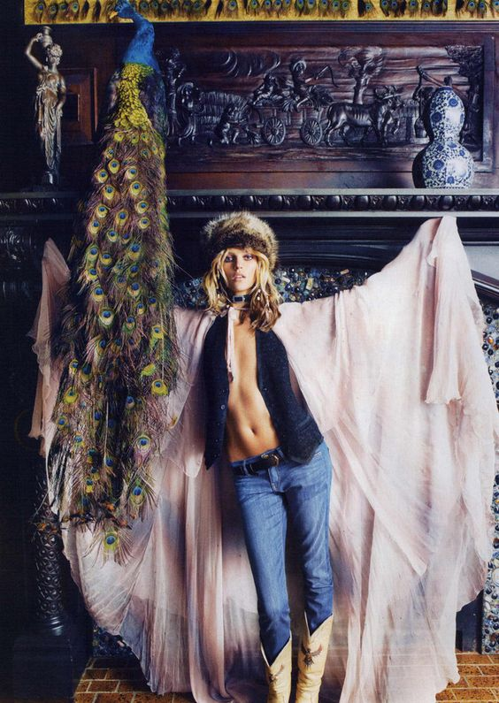 Vogue Paris Magazine x September 2011 x stylist Melanie Ward x Anja Rubik