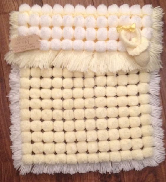 Knitting Pattern For Pom Pom Blanket : pom pom pram blanket looms Pinterest Pram blankets ...