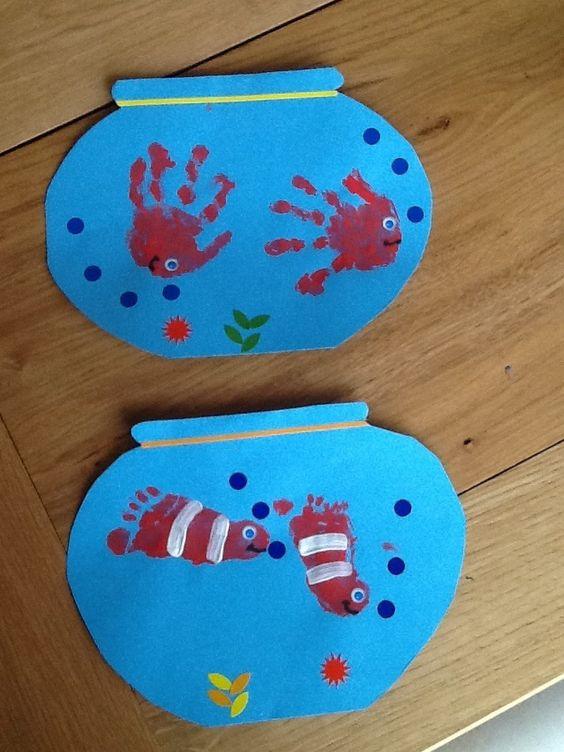empreintes mains Poissons d'Avril 14                                                                                                                                                                                 Plus