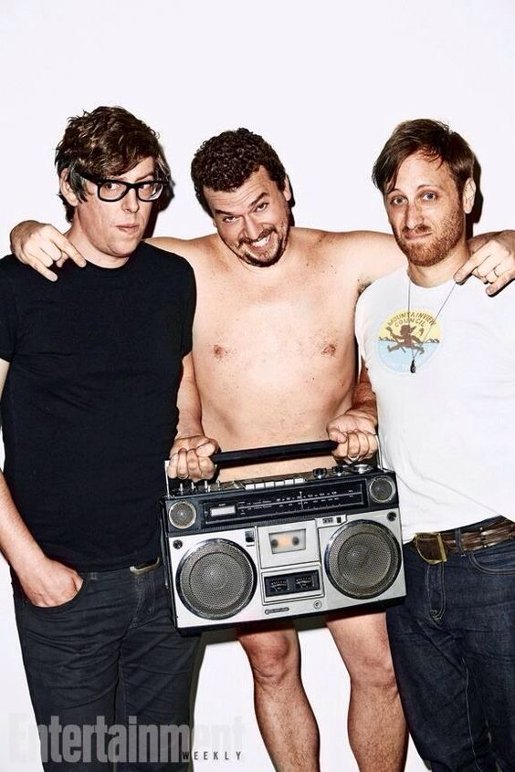 The Black Keys pose for Entertainment Weekly with Eastbound And Down's Danny McBride » #TheBlackKeys #Musicians #DannyMcbride #EntertainmentWeekly #EastboundAndDown #PatrickAndDan
