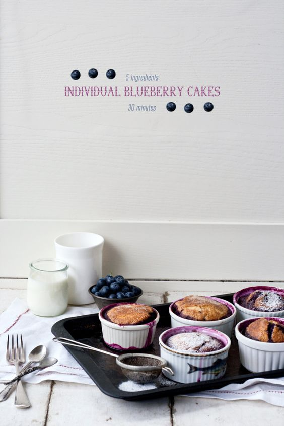 Individual Blueberry Cakes – 5 ingredients, 30 minutes