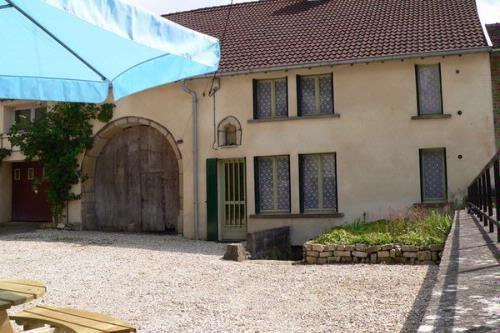 La Ferme des choucas - Farmhouse Holiday Rental in Aboncourt Gesincourt, Haute-Saône, France. http://www.frenchconnections.co.uk/en/accommodation/property/lgr-fr-70500-03?u_id=lgr-u-FR-70500-03#