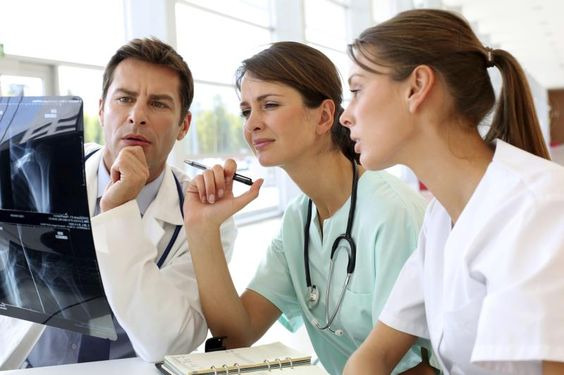 Radiation Therapists - http://www.medicalfieldcareeroptions.com/medicalimagingcareers.php: