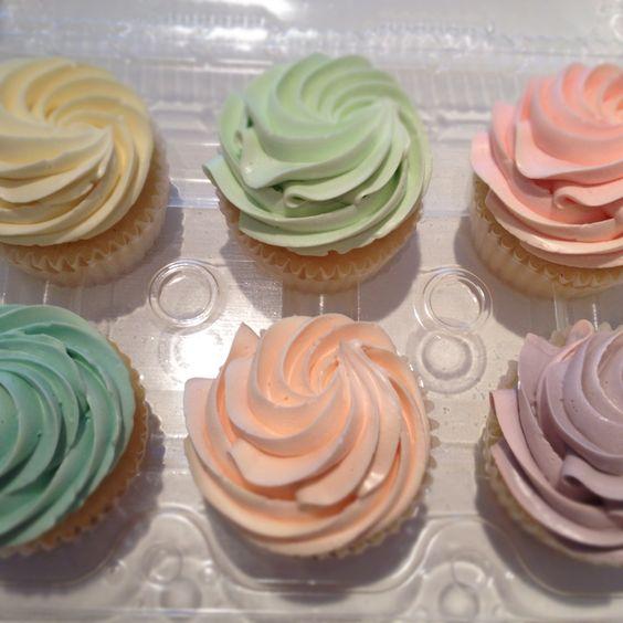 Easter Cupcakes.  www.theweddingcakeshoppe.com