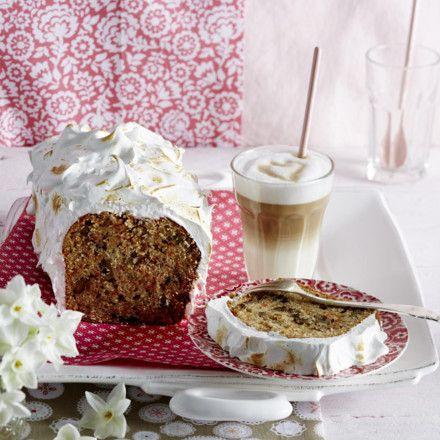Möhren-Walnuss-Kastenkuchen mit geflämmtem Baiser Rezept