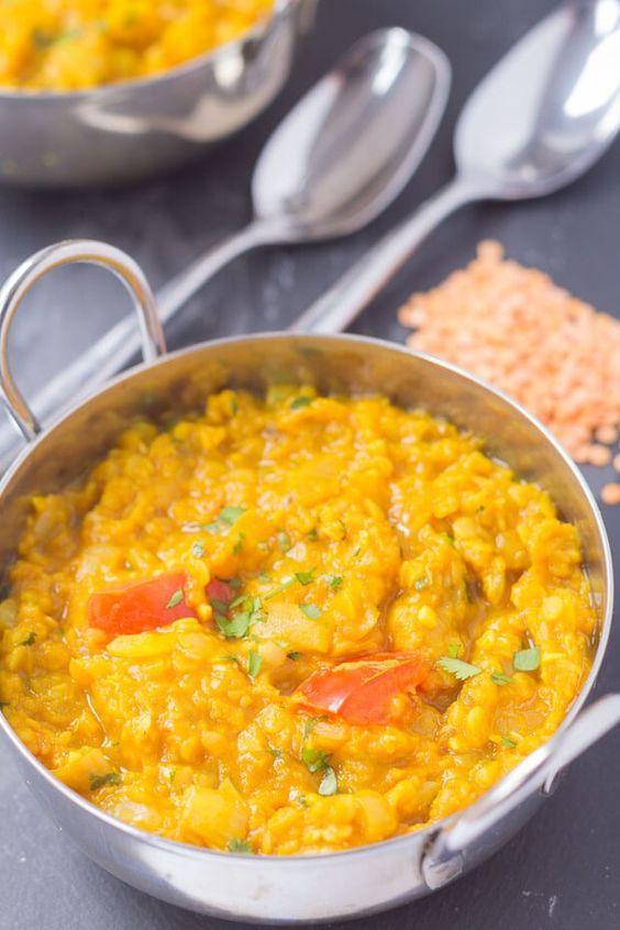 Fettarm Indian dahl ist eine meiner Lieblings-Currys.  Für Veganer geeignet ist es relativ schnell und einfach zu machen.  Wenn Sie in der Notwendigkeit von etwas gesund und sättigend sind, das Fleisch frei und wirklich lecker ist, man kann mit diesem fettarmen indischen dahl schief gehen.