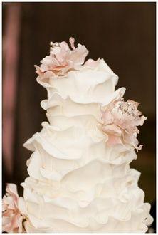 ruffled beauty - (via Feed / Beautiful wedding cake)