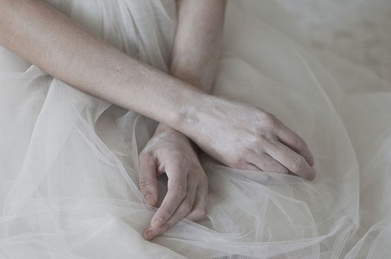 hands_sedimenti by monia merlo