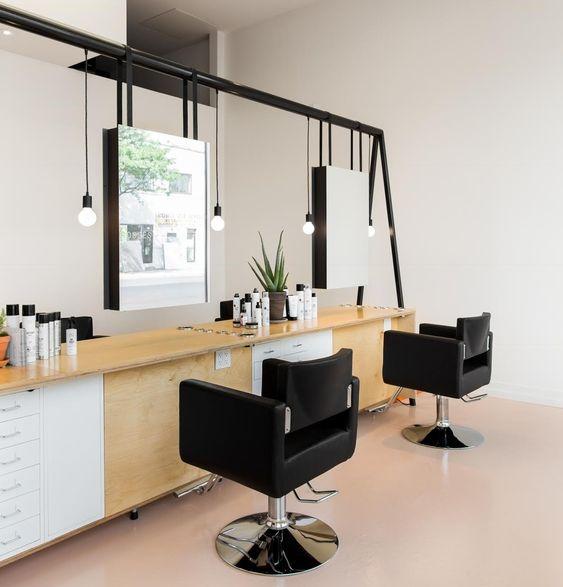 徹底的に髪をサラサラにしたい人は「美容院」のトリートメントが効果的!
