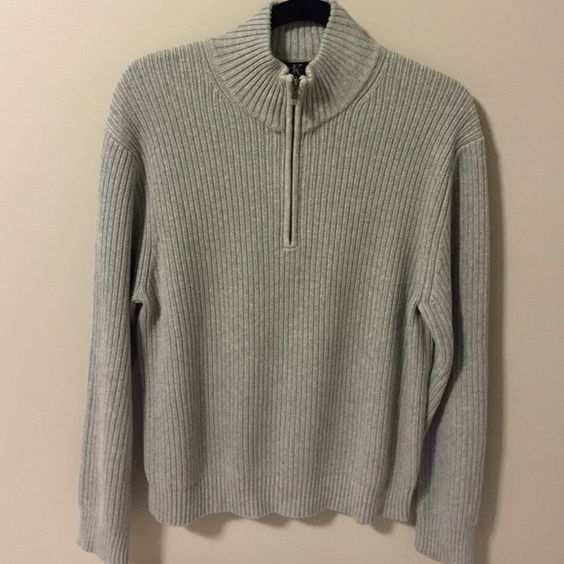 Men's Heather Grey Ribbed Calvin Klein Sweater Heavier feel. Ribbed. 1/2 zip. Heather grey color. Excellent condition. Calvin Klein Sweaters