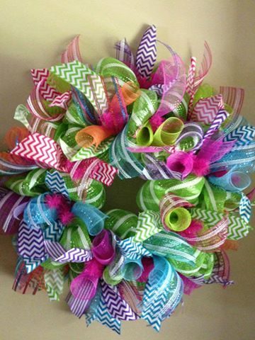 I want this style but in Red, White and blue for the texans with a wooden logo on the right side!    Ruthie's Wreaths - Facebook