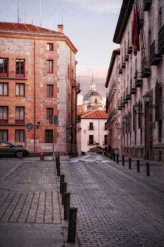 Calle del Sacramento.: Street, Ciudades Pueblos, Madrid, Spain, The Sacrament, Países Ciudades, Spain, Calle Sacramento