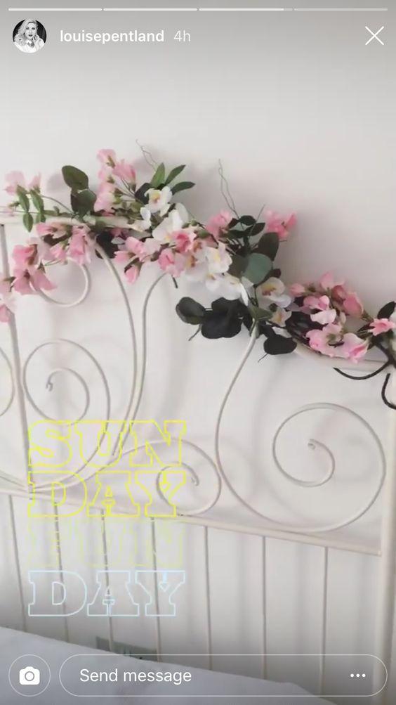Tumblr Fake Flower Wall Bedroom