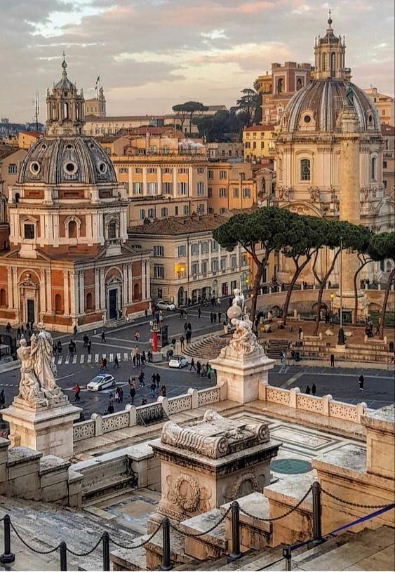 Rome | Italy | Architecture | Architecture Photography | Travel Photography | #rome | For more inspiration, click on the photo to visit site!