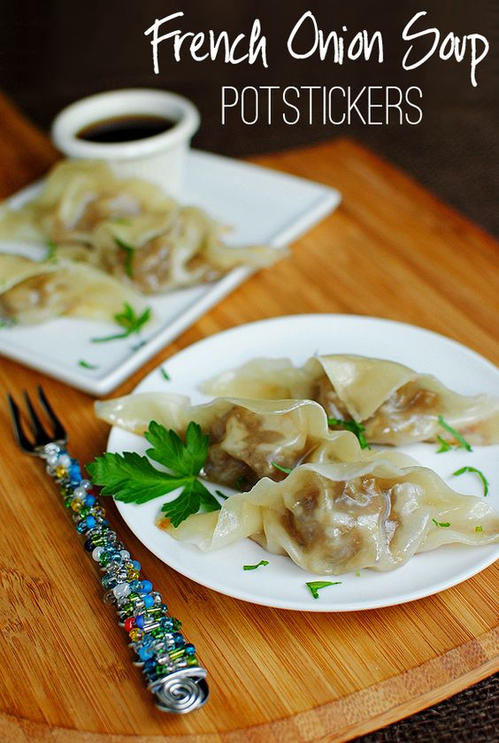 French Onion Soup Potstickers. All the flavor of French Onion Soup, in a chewy potsticker! #freezer #appetizer