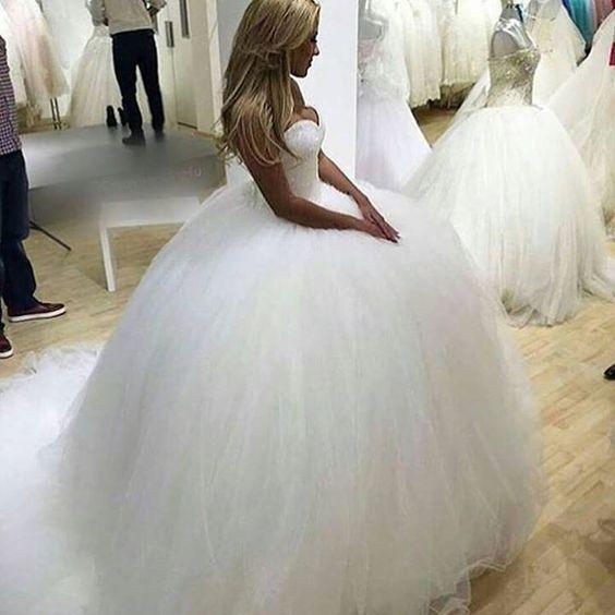 Kleid erhältlich unter  http://ift.tt/1NVyK1L