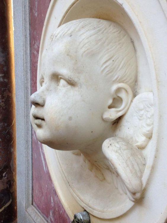 Cherubijn - Christus-monument binnenplaats Friedenskirche Park Sanssouci - Potsdam ontwerp Berteld Thorvaldsen - 1821