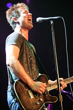 """Jonny Lang: """"Even In The Brightest Light, You Might Lean Towards The Darker Side"""""""